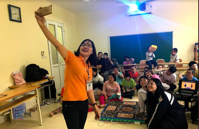Cô giáo Hà và sáng kiến giúp trẻ bị down học đọc (18/3/2020)