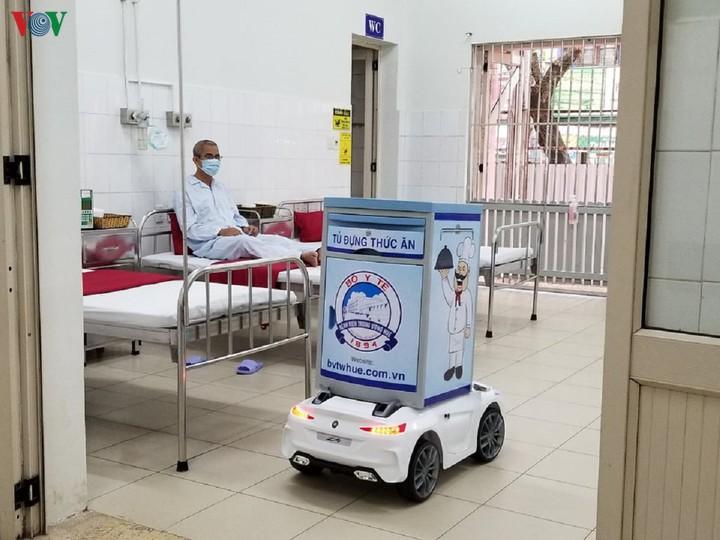 THỜI SỰ 6H SÁNG 18/3/2020: Bệnh viện Trung ương Huế dùng robot phục vụ bệnh nhân mắc Covid-19.