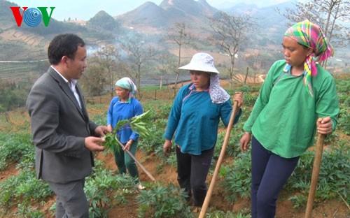 Thạc sỹ người Mông đầu tiên của huyện Si Ma Cai và những nỗ lực không mệt mỏi (5/3/2020)