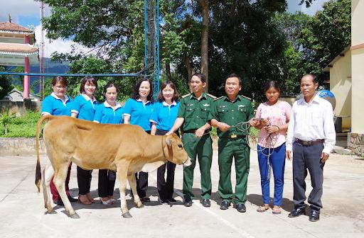 Bộ đội Biên phòng Kon Tum đồng hành cùng phụ nữ biên cương (7/3/2020)