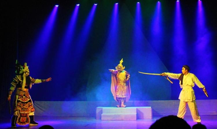 Sân khấu nghệ thuật truyền thống trong nỗ lực tiếp cận khán giả trên không gian số (21/4/2020)