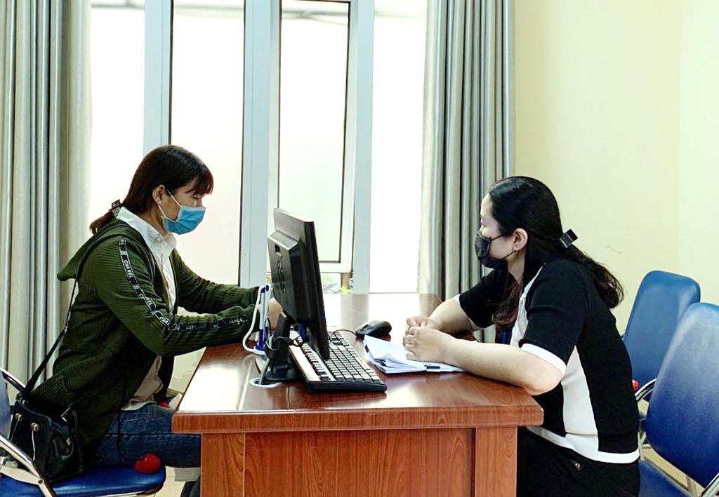 """Bảo hiểm thất nghiệp: """"Phao cứu sinh"""" cho người lao động trong đại dịch COVID-19 (13/4/2020)"""
