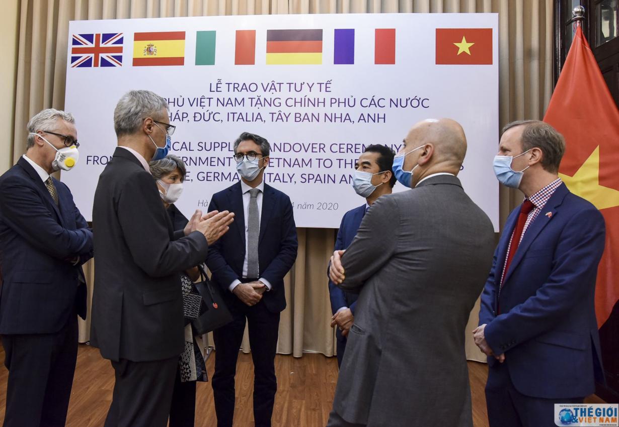 Thế giới đánh giá cao tinh thần hợp tác của Việt Nam trong chống đại dịch COVID-19 (13/4/2020)