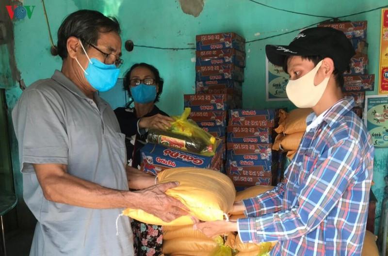 Gói hỗ trợ của Chính phủ tiếp sức người dân vượt khó (9/4/2020)