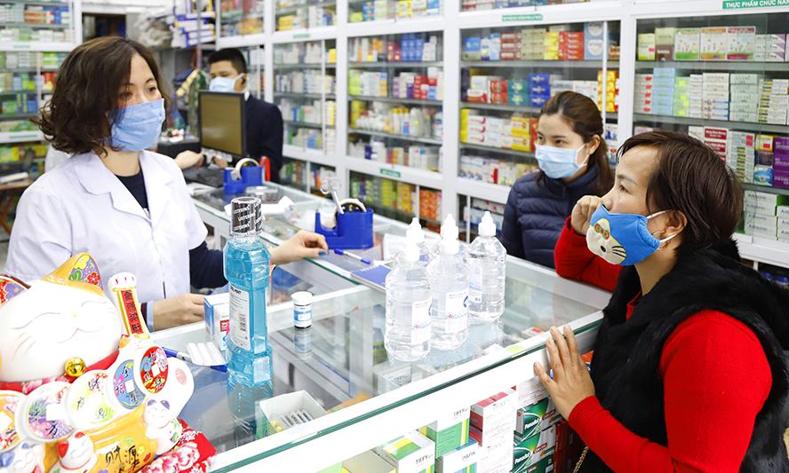 Cảnh báo người dân khi mua thuốc hạ sốt phải khai báo y tế trong dịch bệnh (27/4/2020)