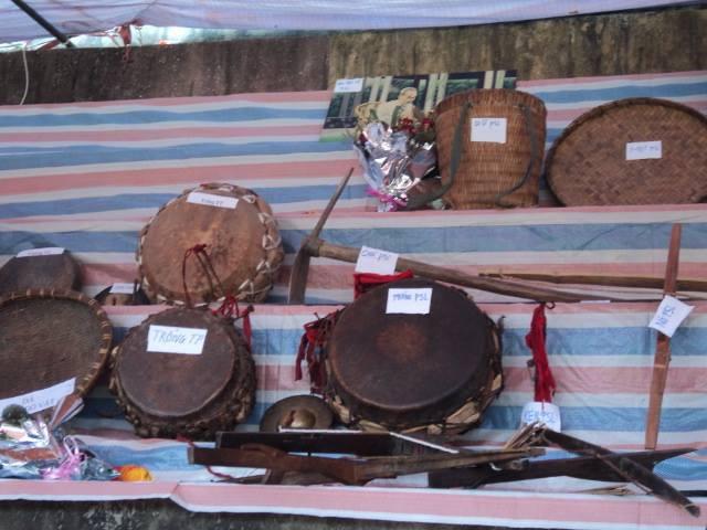 Bộ nhạc cụ truyền thống của người Dao Khâu ở Sìn Hồ (17/4/2020)