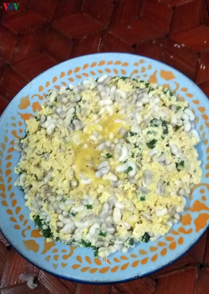 Trứng kiến - món ăn dân giã nhưng rất đặc sắc của đồng bào Thái (10/4/2020)