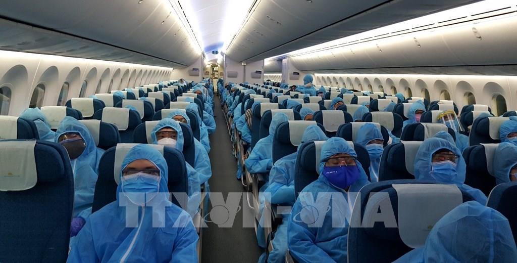 THỜI SỰ 12H TRƯA 20/5/2020: Chuyến bay chở 340 công dân Việt Nam mắc kẹt tại Ấn Độ do đại dịch Covid 19 đã về tới sân bay Cần Thơ.