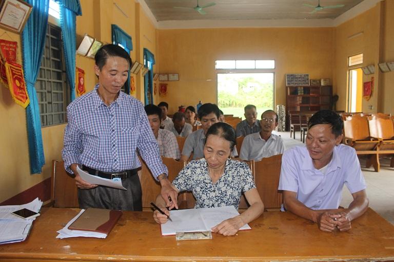 THỜI SỰ 18H CHIỀU 30/5/2020: TAND tỉnh Bình Phước, Ban Tuyên giáo Tỉnh ủy Bình Phước họp báo, thông tin vụ bị cáo uống thuốc trừ sâu, nhảy lầu tự tử tại tòa án