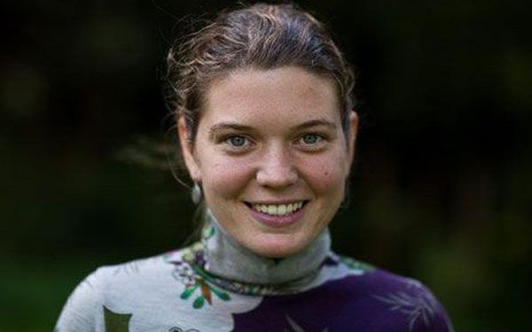 Maggie Dodge - nhà hoạt động tình nguyện người Mỹ chăm lo cho hơn 50 trẻ em ở  Surkhet - Nepal (26/5/2020)