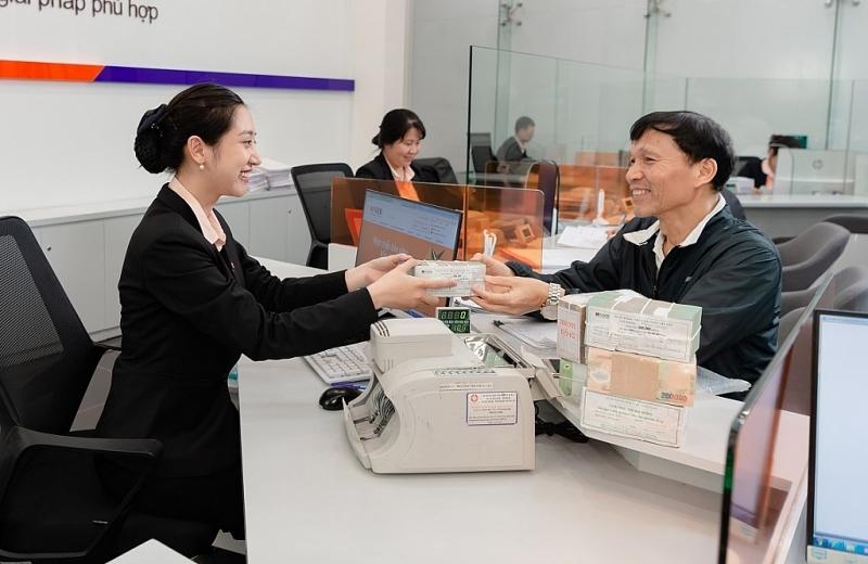 Không hạ chuẩn tín dụng - Ngân hàng thương mại triển khai các giải pháp hỗ trợ doanh nghiệp thế nào? (18/5/2020)