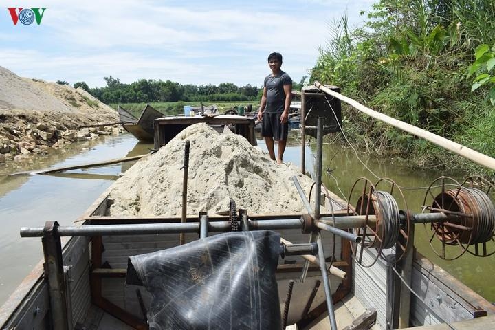 Bao giờ chấm dứt nạn cát tặc trên sông Bồ, Thừa Thiên Huế? (26/5/2020)