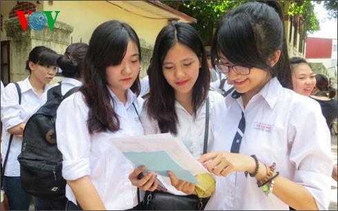 Xét tuyển đại học 2020: Thí sinh không nên quá lo lắng về chọn ngành (30/6/2020)