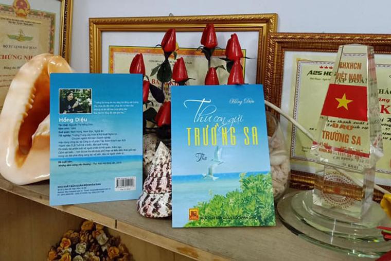 """Tập thơ """"Thư con gửi Trường Sa"""" của tác giả Hồng Diệu.(29/7/2020)"""