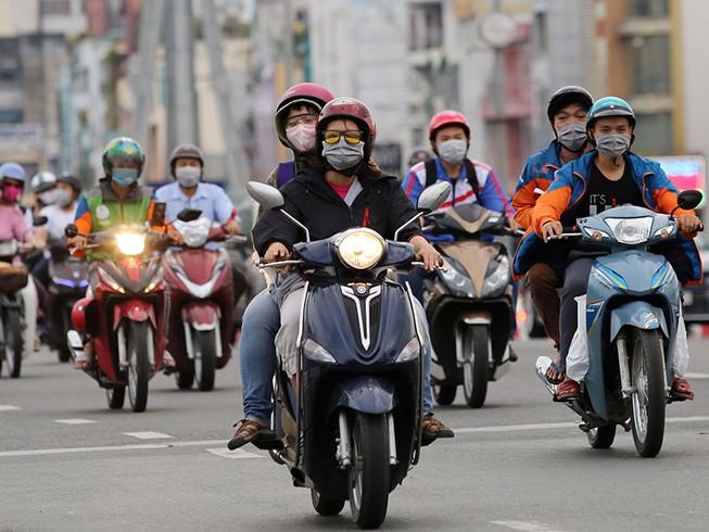 Bỏ quy định xe máy phải bật đèn nhận diện ban ngày (6/7/2020)