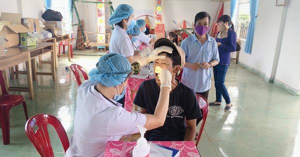 Hơn 30.000 liều kháng sinh điều trị dự phòng nhằm chặn bệnh bạch hầu ở Kon Tum (9/7/2020)