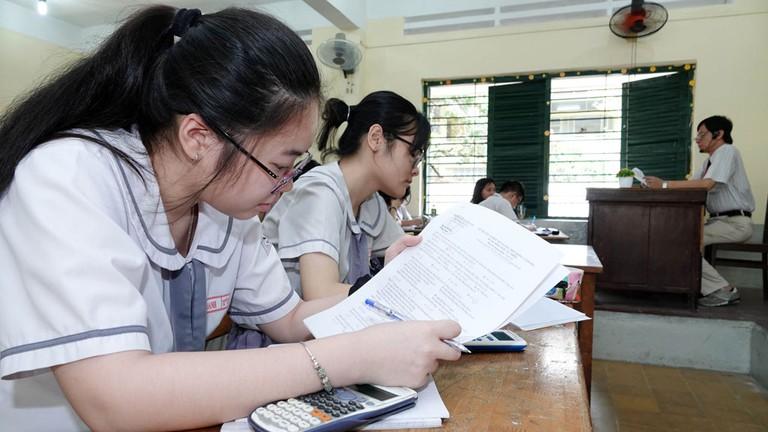 Thí sinh đăng ký chỉ để xét tốt nghiệp THPT tăng: Mừng hay lo? (17/7/2020)