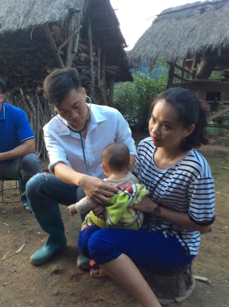 Hành trình của bác sĩ trẻ tình nguyện về huyện nghèo công tác (17/07/2020)