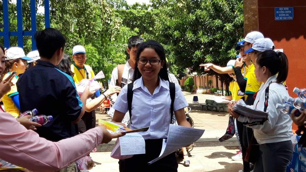 Đăk Nông: Hơn 500 học sinh có hoàn cảnh khó khăn được hỗ trợ trong kì thi THPT Quốc gia (28/7/2020)