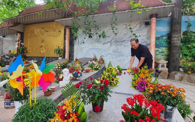 Linh mục Nguyễn Văn Tịch và hành trình an táng cho những đứa trẻ chưa kịp làm người (24/7/2020)