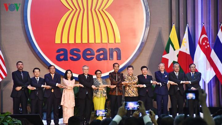 Việt Nam 25 năm gia nhập và nâng tầm vị thế cùng ASEAN (22/7/2020)