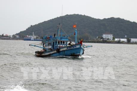 Tuyên truyền pháp luật để ngư dân nâng cao trách nhiệm khi khai thác trên biển (6/8/2020)