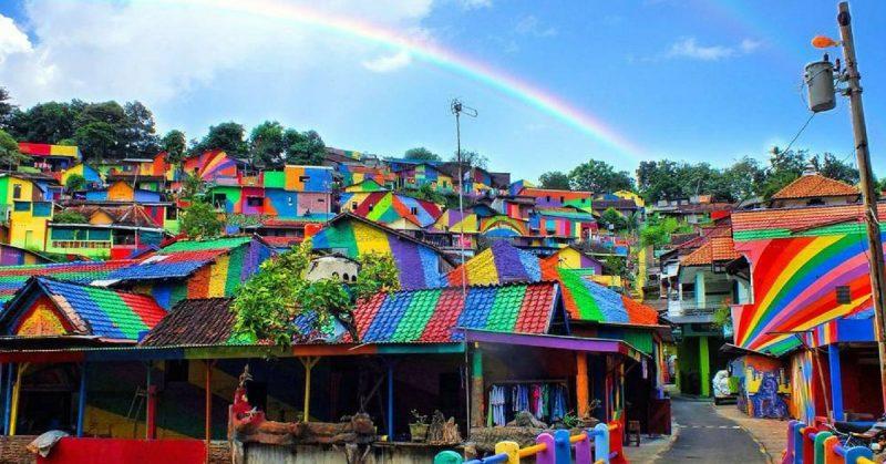 Làng Kampung Pelangi – ngôi làng bảy sắc cầu vòng ở Indonesia (29/8/2020)