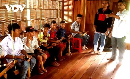 Người góp phần gìn giữ nhịp chiêng ở Chư Đrăm, huyện Krông Bông, tỉnh Đắk Lắk (12/9/2020)