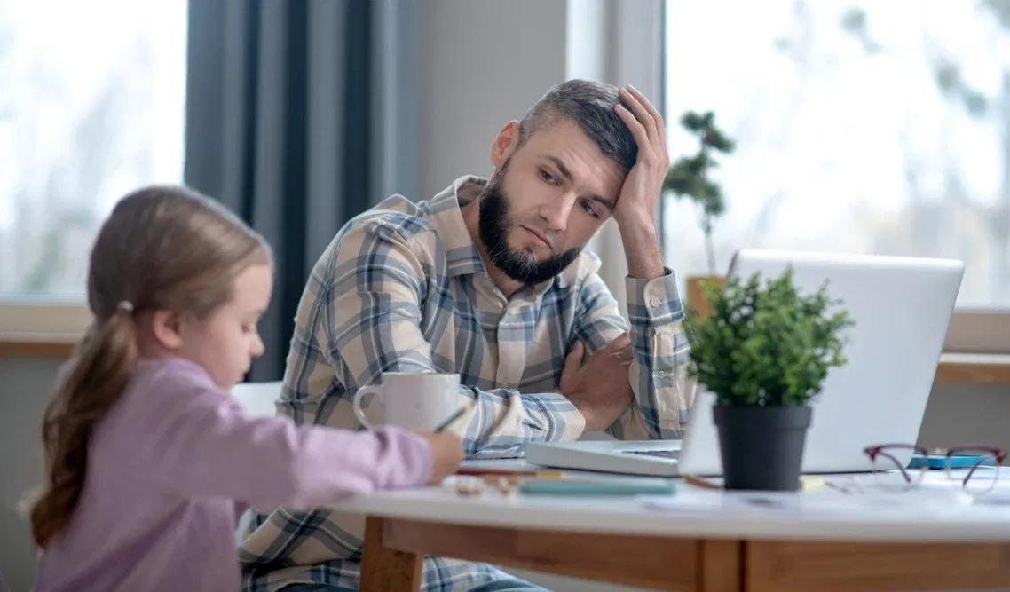 """""""Hội những ông bố"""" xóa tan định kiến về vai trò của nam giới trong các gia đình ở Mỹ (1/9/2020)"""