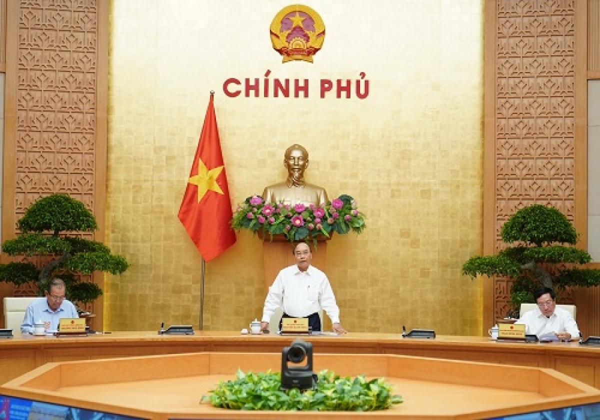 THỜI SỰ 18H00 CHIỀU 18/9/2020: Thủ tướng Nguyễn Xuân Phúc đồng ý mở cửa đường bay thương mại quốc tế với Thái Lan, yêu cầu các đơn vị và địa phương kiểm soát chặt người nhập cảnh,