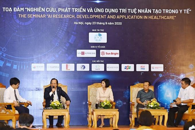 """""""Ứng dụng trí tuệ nhân tạo trong y tế- Việt Nam có lợi thế?"""" (26/09/2020)"""