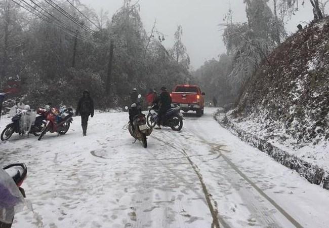 Lưu ý khi lái xe lên Lào Cai mùa băng tuyết (11/1/2021)