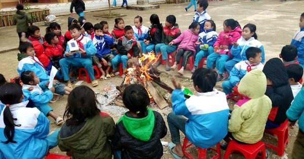 Sáng chế ấm tình thầy trò những ngày đông giá rét ở Lào Cai (14/01/2021)