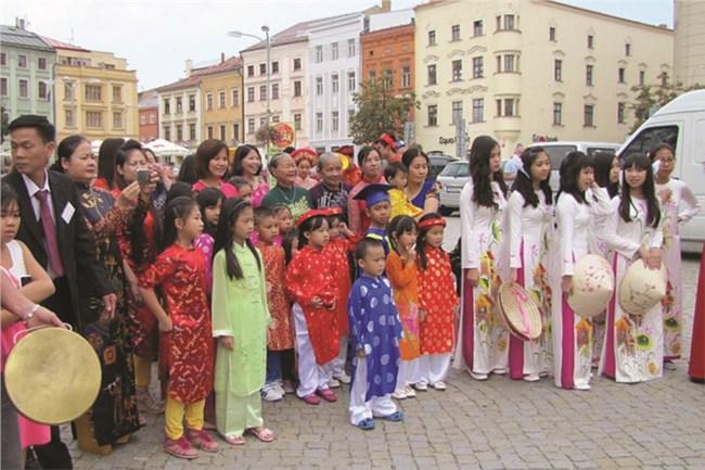 THỜI SỰ 21H30 ĐÊM 24/1/2021: Cộng đồng người Việt tại CH Séc tin tưởng vào Đại hội đại biểu toàn quốc lần thứ XIII của Đảng.