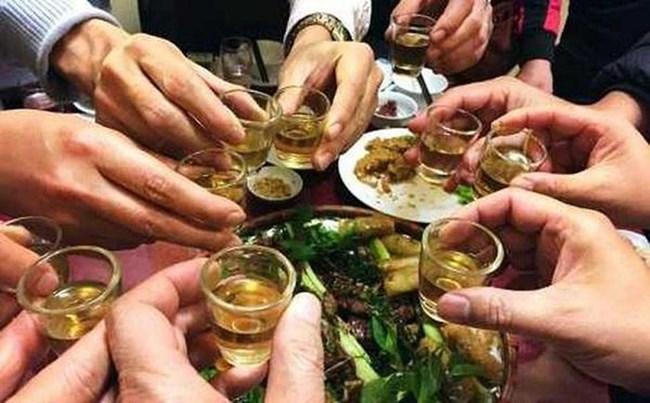 Thay đổi thói quen sử dụng bia rượu để đón Tết bình yên (Ngày 09/02/2021)