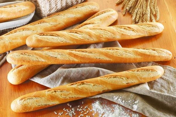 Công thức đặc biệt làm ra chiếc bánh mỳ dài Baguettea tại nước Pháp (20/2/2021)