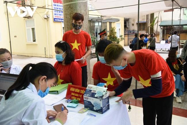 Gặp gỡ các tình nguyện viên thử nghiệm vaccine COVID-19 của Việt Nam (28/02/2021)