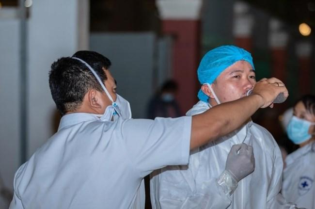 Số lượng bệnh nhân Covid-19 tăng nhanh, Campuchia lên kế hoạch cho một số bệnh nhân điều trị tại nhà (06/04/2021)