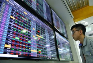 Liên tục nghẽn lệnh, Sở giao dịch chứng khoán TP HCM tạm dừng nhận giao dịch cổ phiếu mới (12/4/2021)