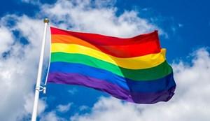 Xóa đi những rào cản xã hội và pháp lý đối với người chuyển giới (18/04/2021)