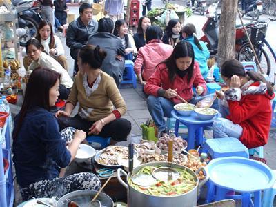 Nỗi lo mất an toàn vệ sinh thực phẩm đường phố. (05/01/2016)