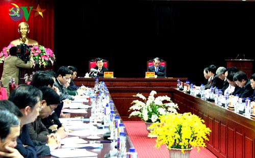 Thời sự chiều ngày 17/01/2015: Chủ tịch nước Trương Tấn Sang làm việc với tỉnh Sơn La về tình hình thực hiện Nghị quyết Đại hội Đảng toàn quốc lần thứ 11 và tình hình thực hiện kế hoạch phát triển kinh tế xã hội, đảm bảo an ninh quốc phòng trên địa bàn