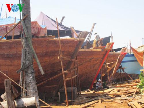 Thời sự đêm ngày 05/4/2015: Quảng Nam nỗ lực hiện đại hóa tàu cá giúp ngư dân vươn khơi, bám biển