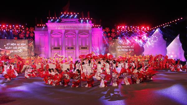 Thời sự đêm ngày 09/5/2015: Tối nay, tại Hải Phòng khai mạc Lễ hội Hoa phượng đỏ lần thứ 4 với chủ đề