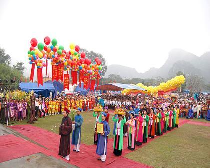 Việt Nam trong tuần ngày 21/02/2015: Mùa xuân trở về giá trị đích thực của lễ hội