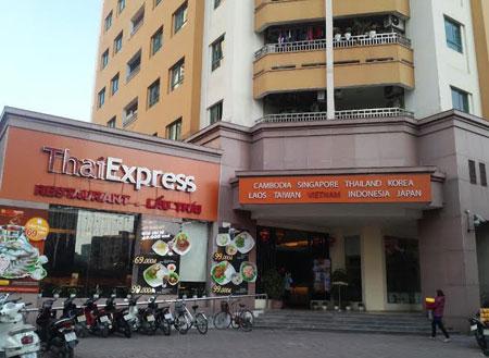 Những ẩn họa khôn lường khi nhà hàng, quán bia, karaoke bủa vây khu chung cư ở khắp các thành phố lớn trên cả nước. (11/12/2015)