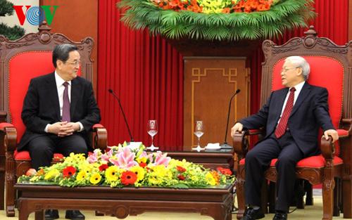 Thời sự đêm ngày 26/12/2014: Lãnh đạo Đảng, Nhà nước tiếp ông Du Chính Thanh, Ủy viên thường vụ Bộ chính trị Đảng Cộng sản Trung Quốc, Chủ tịch Ủy ban toàn quốc Hội nghị Hiệp thương chính trị nhân dân Trung Quốc đang có chuyến thăm và làm việc tại Việt Nam