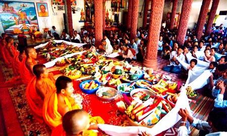 Thời sự đêm ngày 14/4/2015: Hôm nay là ngày đầu tiên  Tết cổ truyền Chol Chnam Thmay của đồng bào Khmer