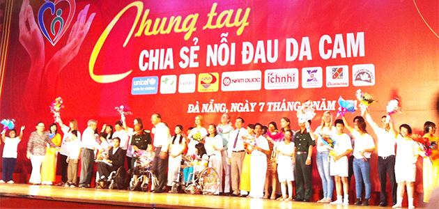 Thời sự sáng ngày 10/8/2015: Kỷ niệm Ngày Vì nạn nhân chất độc da cam. (10/8), bàn về vấn đề hỗ trợ và đòi công lý cho các nạn nhân da dam/dioxin Việt Nam