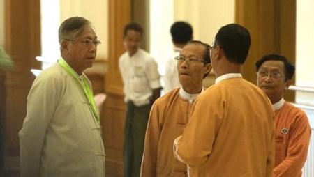 Những thách thức đặt ra đối với vị tổng thống dân sự đầu tiên của Mianma sau hơn 50 năm qua (17/3/2016)